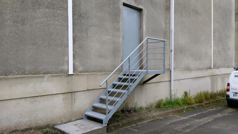 escalier-acier-issue-de-secoure-