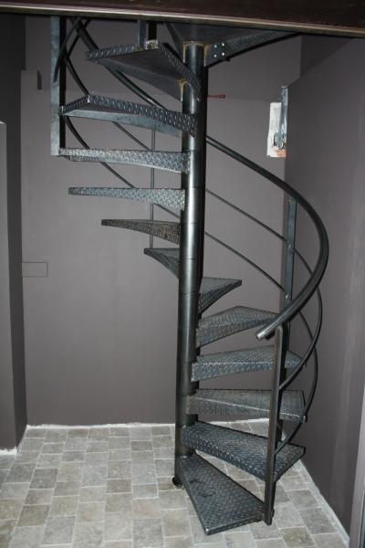 escalier-colimacon-acier-brut-2