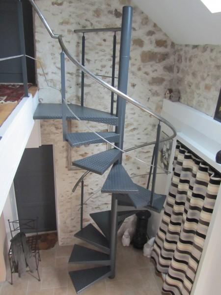 escalier-colimacon-acier-marche-anti-dérapante-20