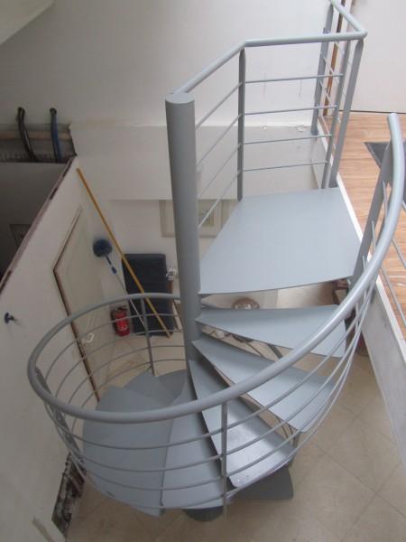 escalier-colimacon-marche-suspendu-2