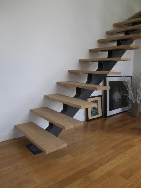 escalier-1-4-tournant-limon-central-marche-hetre-4