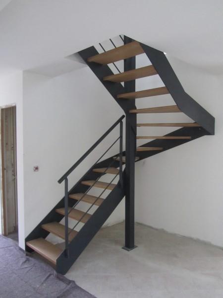 escalier-2-4-tournant-limon-extérieur-2