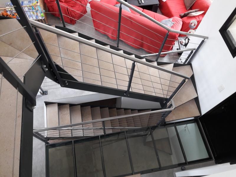 escalier-2-4-tournant-limon-extérieur-marche-en-pierre-dans-caisson-4