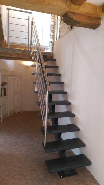 escalier-droit-acier-marche-acier-1