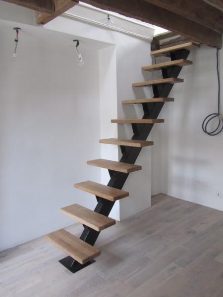 escalier-droit-gain-de-place-1