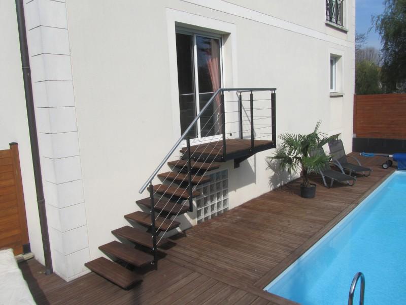 escalier-extérieur-acier-marche-composite-1