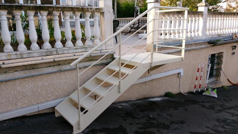 escalier-extérieur-acier