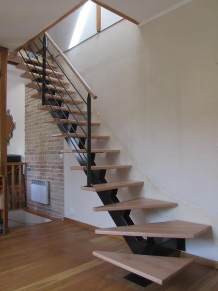 escalier-quart-tournant-limon-central-marche-hetre-20